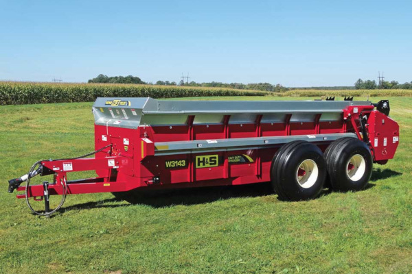 H&S | Manure Spreaders | Heavy Duty Manure Spreaders for sale at Hines Equipment, A full-service equipment dealer in Central Pennsylvania.