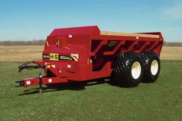 H&S | Manure Spreaders | Top Shot Side Discharge Manure Spreaders for sale at Hines Equipment, A full-service equipment dealer in Central Pennsylvania.