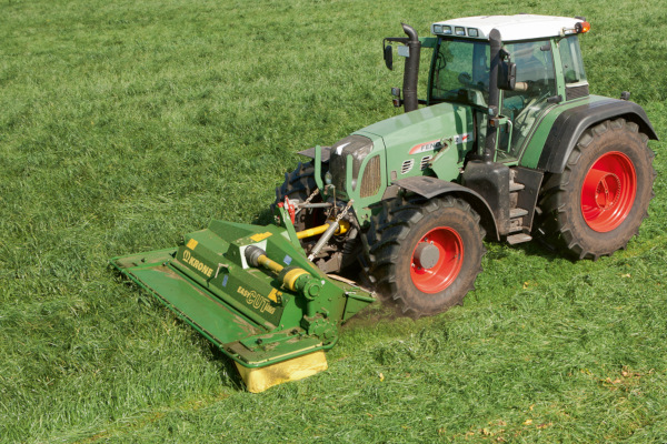 Krone | Front-Mounted Disc Mowers EasyCut F | Model EasyCut 28 CV for sale at Hines Equipment, A full-service equipment dealer in Central Pennsylvania.