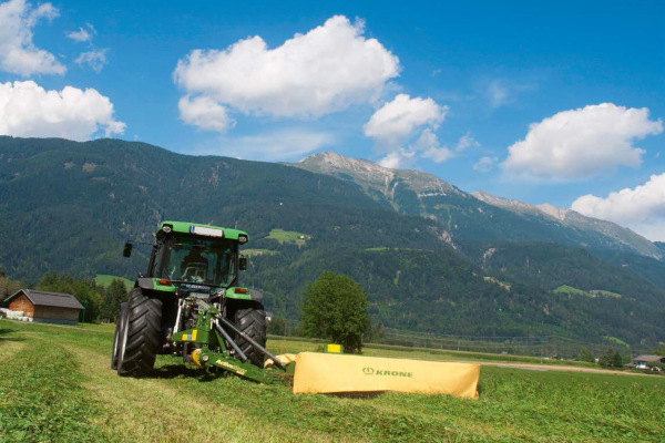 Krone | Disc Mowers | Rear-mounted disc mowers ActiveMow for sale at Hines Equipment, A full-service equipment dealer in Central Pennsylvania.