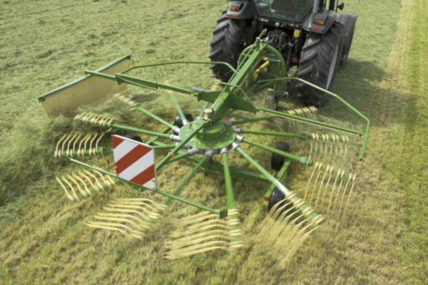 Krone | Rotary Rakes | Single Rotor Rakes for sale at Hines Equipment, A full-service equipment dealer in Central Pennsylvania.