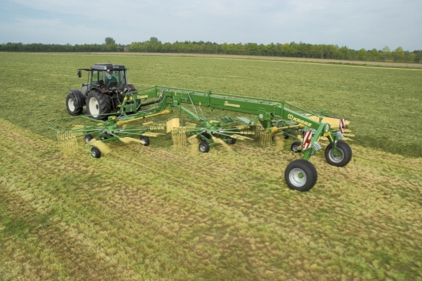 Krone | Rotary Rakes | Three-Rotor Rakes for sale at Hines Equipment, A full-service equipment dealer in Central Pennsylvania.